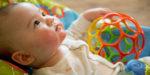 Развивающие игры и игрушки для детей (4 месяц)